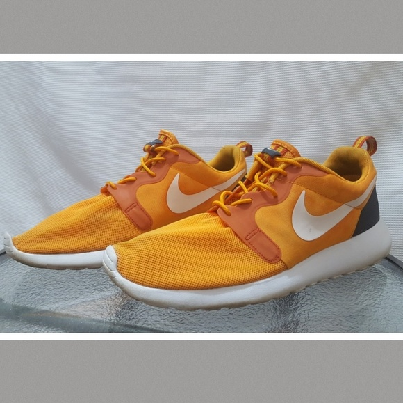 timeless design ab3ac 30f1e Nike Running Shoes 10.5 Orange Cumquat Men s. M 5b721fdade6f62b87a4ce825